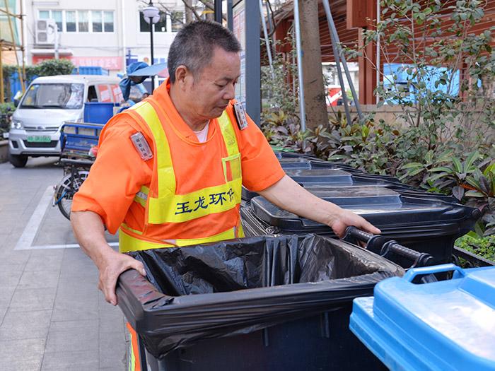新桥街道清扫保洁服务案例