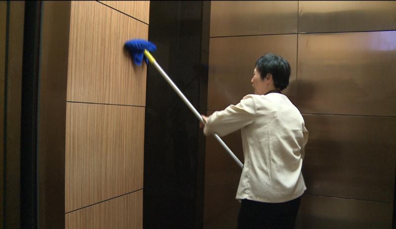 玉龙环保-电梯厅保洁